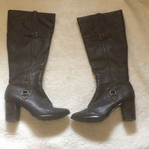 🎉5 for 25$ Size 71/2 brown boots